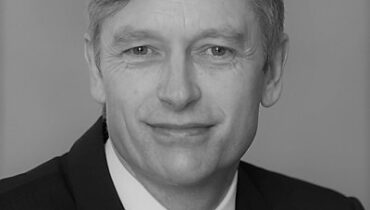 Adrian Grimshaw appointed to the APS Board as Head of Consulting for Asset & Wealth Management